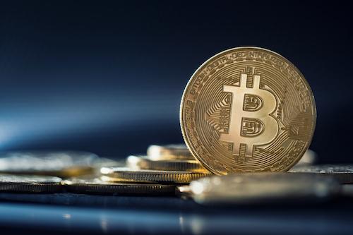 ビットコイン(Bitcoin/BTC)は儲かる?売買メリットや購入リスクについて