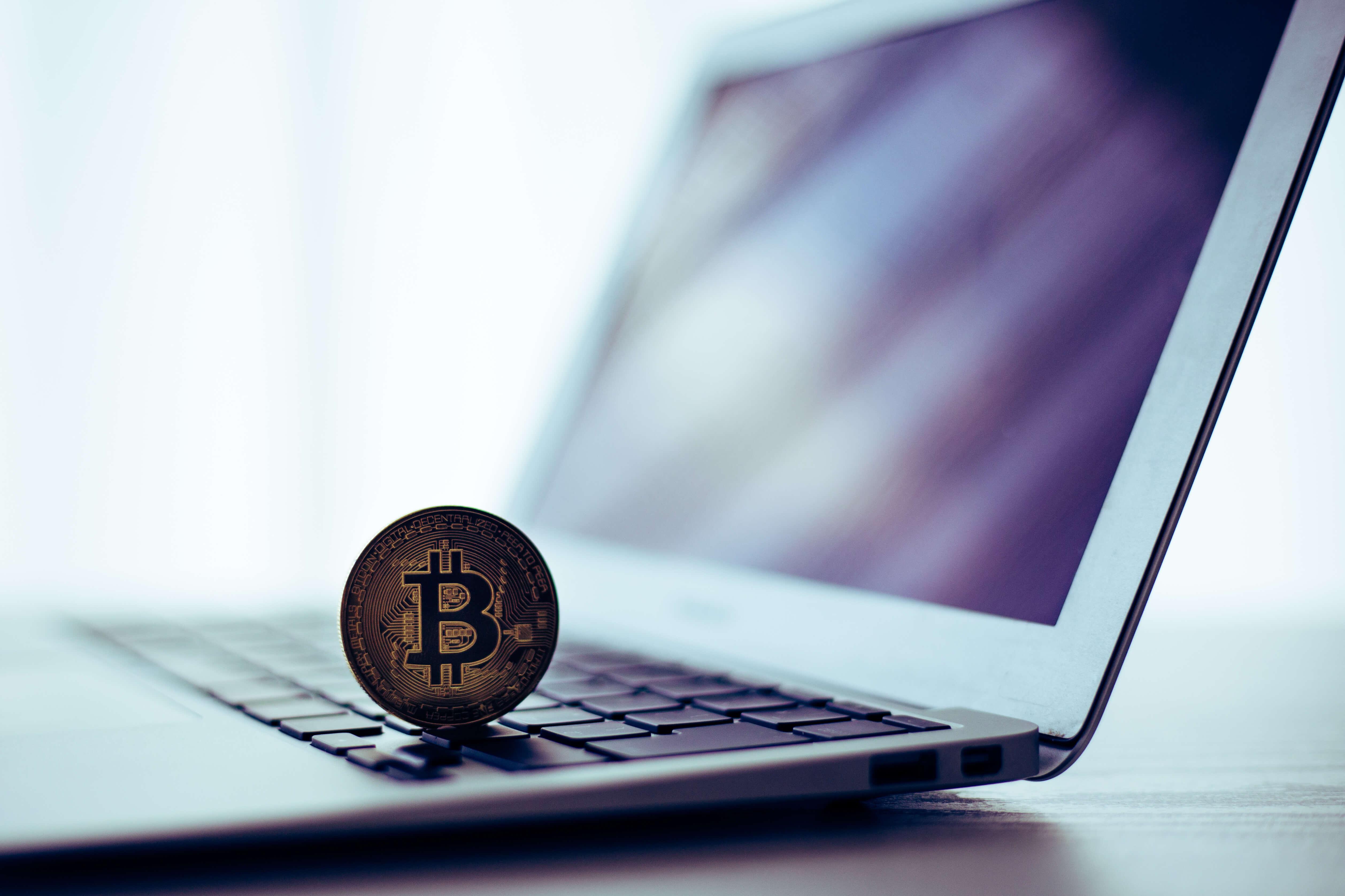 仮想通貨取引所が解説する仮想通貨とFXの4つの違い