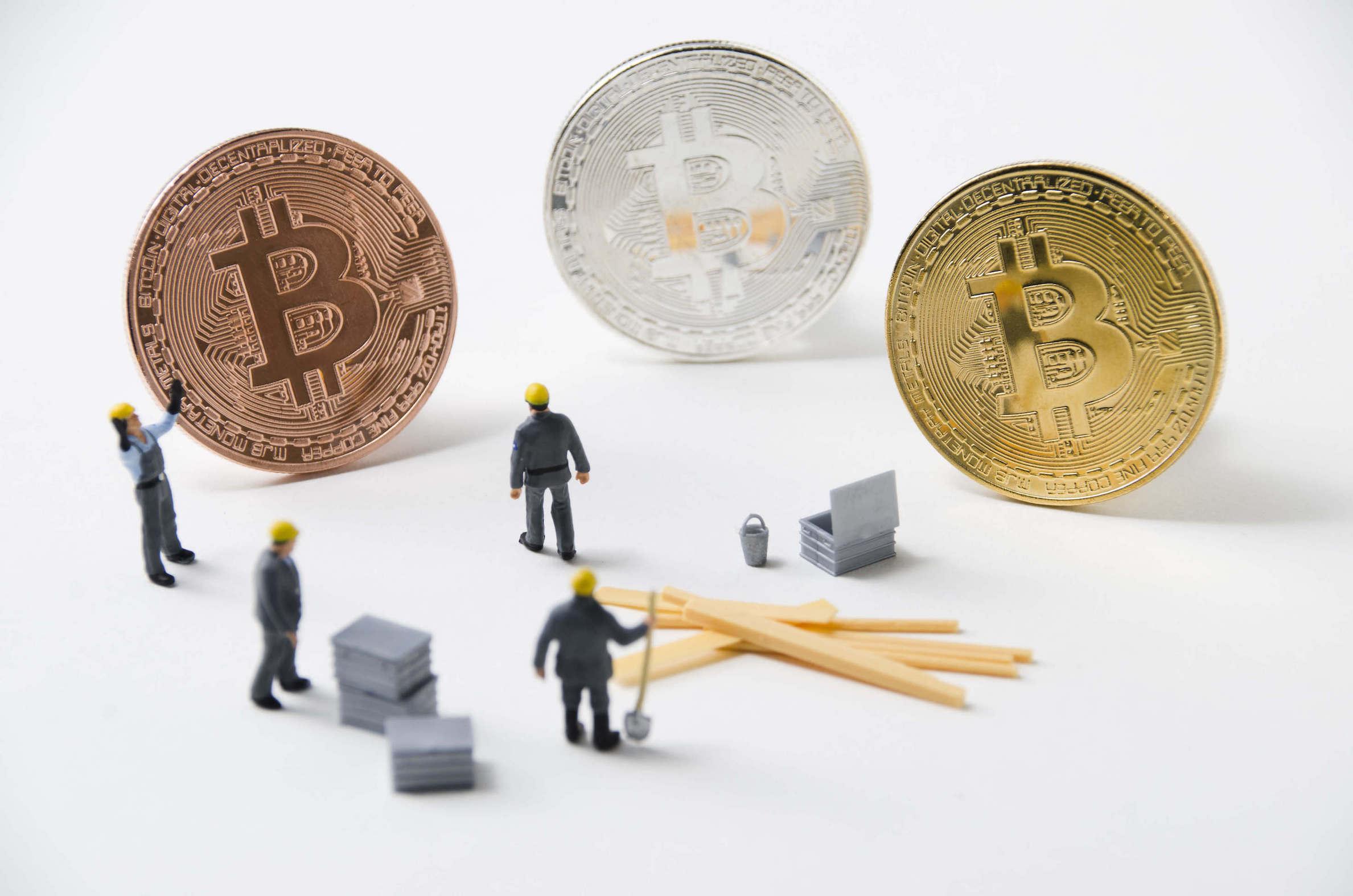 ビットコイン(BTC)マイニングの3つの方法と仕組みを解説